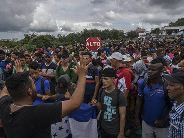 México cierra su frontera con Guatemala ante llegada de miles de migrantes