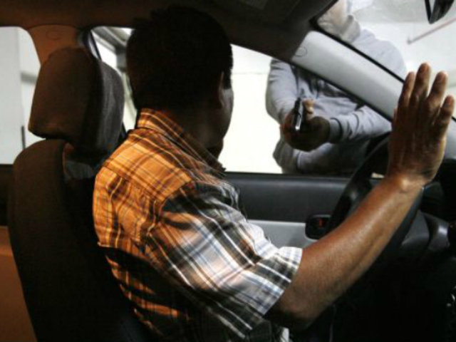 Surco: PNP investiga robo frustrado a pareja por bocina de vehículo