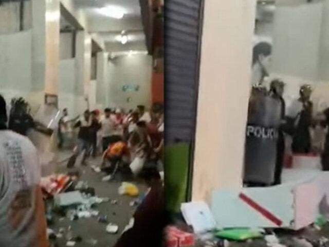 Vecinos de Ate incómodos tras constantes disturbios de enfurecidos hinchas de Universitario
