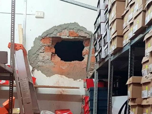 La Victoria: hacen forado en pared y roban miles de soles en tienda de zapatillas