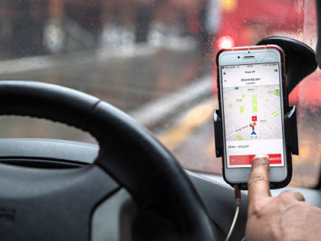 Cinco delincuentes asaltaron a chofer que brindada servicio de taxi por aplicativo