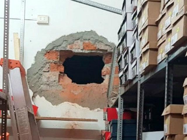 La Victoria: sujetos que robaron almacén de zapatillas utilizaron globo para tapar cámara de seguridad