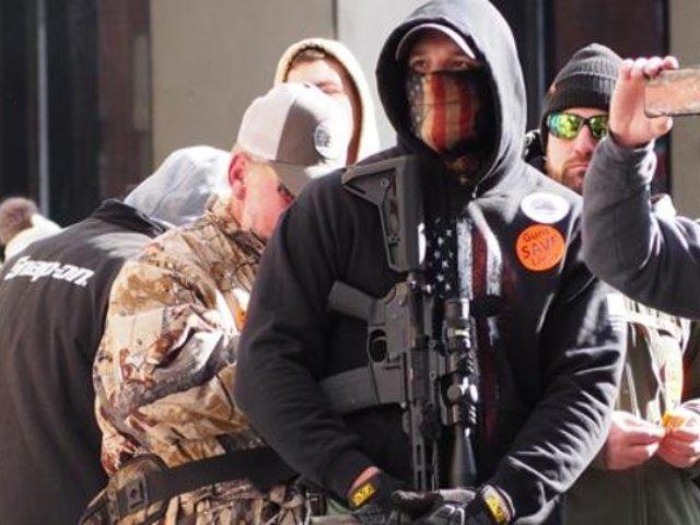 EEUU: realizan marcha a favor de las armas de fuego en Virginia