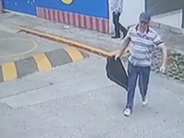 Surquillo: mujer llega a casa y encuentra a delincuentes robándole todas sus pertenencias