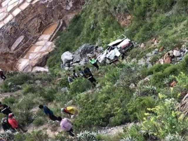Cusco: caída a abismo de camioneta deja como saldo seis fallecidos y cuatro heridos