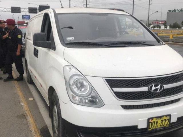 Los Olivos: intervienen vehículo con casi una tonelada de cocaína en cajas
