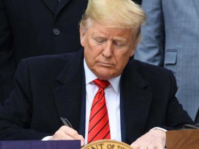 Donald Trump firma tratado de libre comercio con México y Canadá