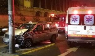 Breña: accidente de tránsito deja a un taxista herido