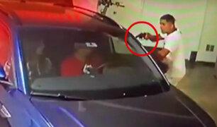 Surco: ladrón se escabulle a cochera de edificio y asalta a una pareja