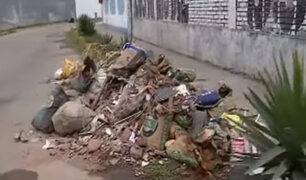La Perla: vecinos denunciaron que serenos arrojan desmonte en plena calle