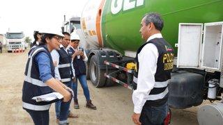 PNP y  Osinergmin ejecutan operativo contra cisternas de gas en el Callao