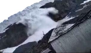 Puno: avalancha de hielo cubre bocamina en La Rinconada