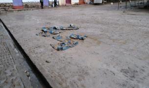 Indignante: feriantes arrojan concreto sobre antigua plaza de Pisac en Cusco