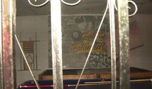 Cercado de Lima: desconocidos atacan billar a balazos y con bombas molotov