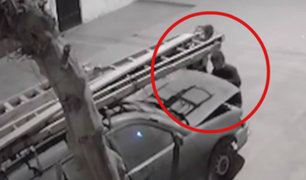 SJM: sujetos roban autopartes de camioneta