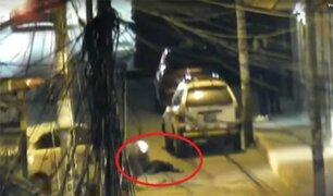 Huancayo: taxi arrolla a joven ebrio que dormía en la pista