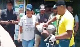 Los Olivos: efectivos de la DIRINCRI detienen a tres delincuentes robando farmacia