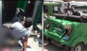 VES: delincuentes armados terminan heridos tras chocar con bus mientras huian