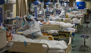 Se eleva a 811 los muertos por coronavirus en China