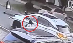 Miraflores: banda asalta a mujer en moderna camioneta