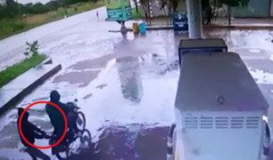 Puerto Maldonado: delincuentes en moto asaltan grifo en menos de un minuto