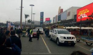 Asalto en Plaza Norte: Policía en retiro queda herido tras recibir dos impactos de bala