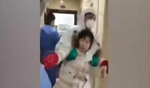 China: usan la fuerza para trasladar a posibles infectados de coronavirus en cuarentena