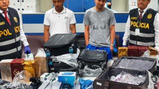 Intervienen a ecuatorianos con gran cantidad de celulares de alta gama de contrabando