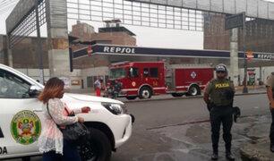 Cercado de Lima: reportan fuga de gas en grifo en avenida Colonial