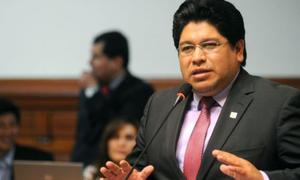 Rennán Espinoza comentó que un funcionario de la PCM le ofreció la vacuna contra COVID-19