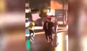 Comas: hinchas ecuatorianos asaltan bus con pasajeros