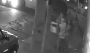 Trujillo: cámara de seguridad capta asalto a joven