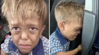 """""""Quiero suicidarme"""": el desgarrador llanto de un niño con enanismo que sufre bullying"""