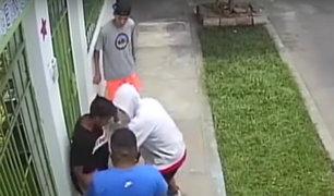 Cercado: cámara registra a dos jóvenes escapando de asaltantes