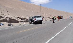 Choque entre auto y camión deja 2 muertos en la Panamericana Sur