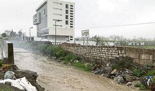 "Arequipa: torrentera ""Los Incas"" se desbordó esta noche e inundó terminal terrestre"