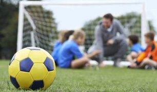 Federación Inglesa prohíbe los remates de cabeza en fútbol de menores