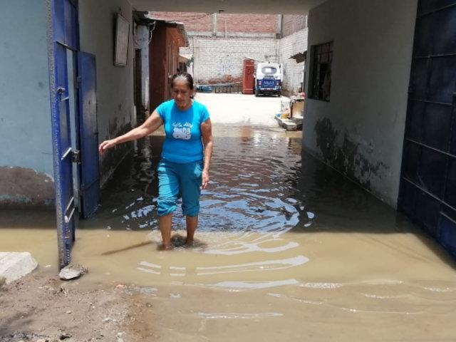 Chorrillos: más de 20 viviendas afectadas con aguas servidas tras rotura de tubería