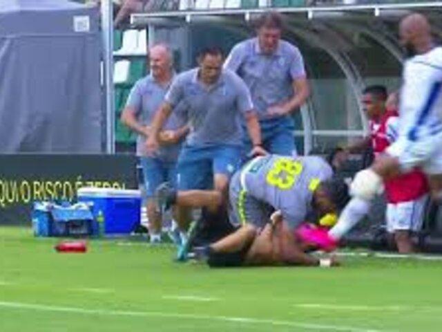 VIDEO: Jugador intenta agredir a hincha rival y todo sale mal