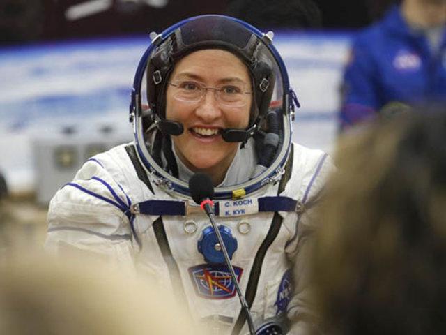 NASA: regresa mujer que pasó mayor tiempo en el espacio