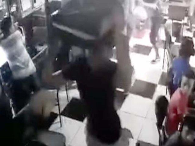 Callao: sujetos irrumpen en cabina de Internet para golpear a jóvenes