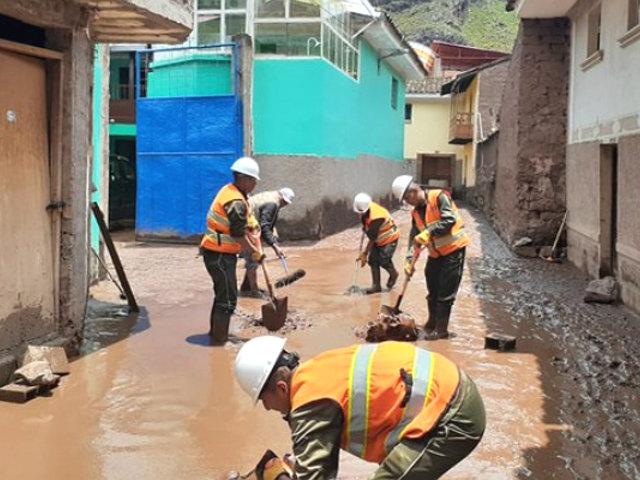 Cusco: militares ayudaron en la remoción de escombros tras desborde de río Kitamayo