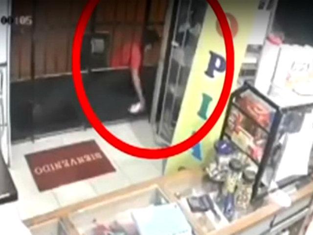 Satipo: ladrón roba productos del mostrador de una botica
