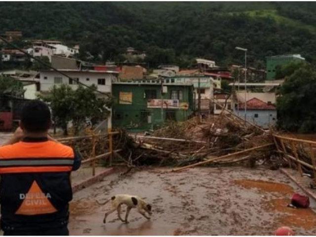 Deslizamiento de tierra sepultó varias casas en Brasil