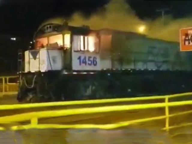 Chile: manifestantes incendian tren de carga cuando estaba en movimiento