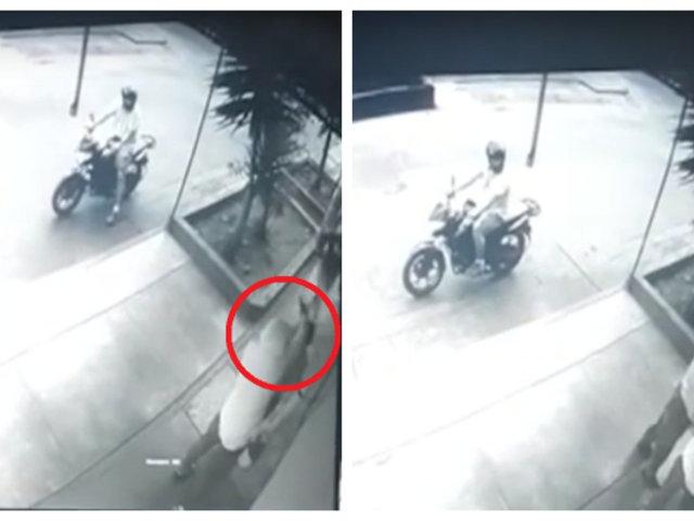 SMP: delincuentes en moto golpean a hombre por resistirse a robo