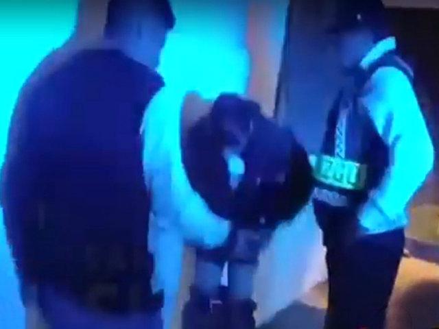 ¡Insólito! Delincuente se baja pantalones para demostrar su inocencia durante intervención