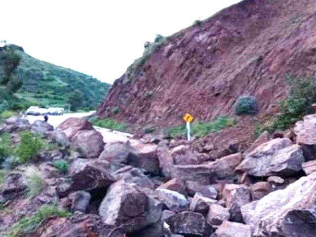 Cusco: nuevos deslizamientos vuelven a bloquear vía a Paruro