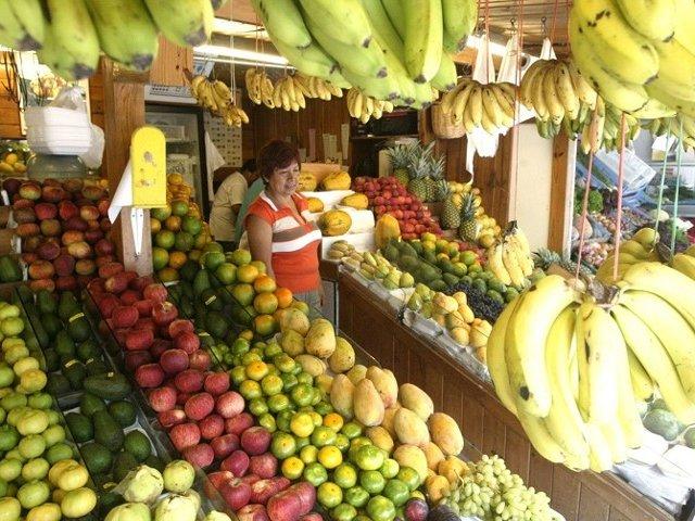 Precios de frutas se incrementan en mercados de Lima por huaicos