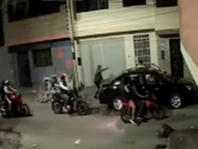 El Agustino: cámaras captaron asalto a jóvenes que bebían en la calle